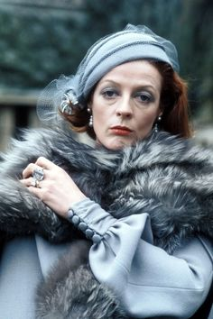 Photograph of Maggie Smith from The Millionairess, 1972