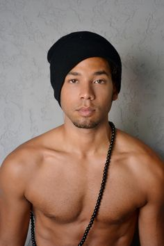 It seems the stories of successful entertainment families are coming back full throttle. Actor/Singer Jussie Smollett, brother of Jurnee Smollett, has signed …