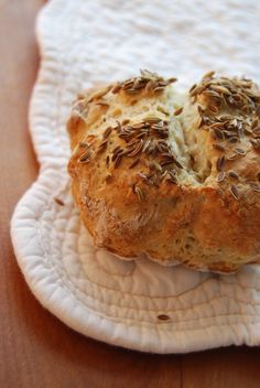 Seedy soda bread scones for St. Patrick's Day from MacLachlan Brunch Recipes, My Recipes, Raisin Cake, Butterscotch Sauce, Corn Beef And Cabbage, Soda Bread, Corned Beef, Rustic Kitchen, Bagel