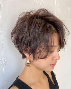 Short Hair Styles, Hair Cuts, Hair Beauty, Hairstyle, Instagram, Bob Styles, Haircut Designs, Hair Style, Short Hairstyle