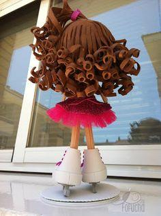 Soy Fofucha: Fofucha patinaje artístico hielo Soy Luna Cake, Fondant Hair, Biscuit, Ice Skating, Girl Dolls, American Girl, Cake Toppers, Skate, Origami