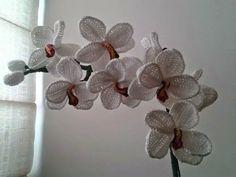 tra un punto e l'altro: TUTORIAL orchidea uncinetto,  adesso  anche con il...