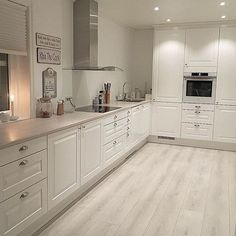 39 What You Need to Do About Modern Kitchen Cabinet Design Ideas - walmartbytes Kitchen Interior, Home Decor Kitchen, Kitchen Design Small, Kitchen Flooring, Kitchen Remodel, Modern Kitchen Room, Modern Kitchen Cabinet Design, Home Kitchens, Kitchen Style
