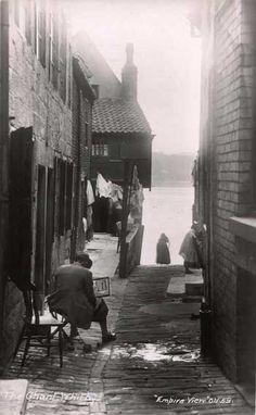 The Tin Ghaut in Whitby 1913