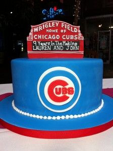 Chicago CubsWrigley Field Birthday Cake with Cubs Baseball Cap