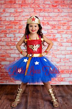 No Sew TuTu costumes for little girls - Wonder Woman costume