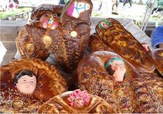 El Tanta Wawa (Niño de Pan) que es una de las ofrendas más bellas y dulces que se le puede hacer al difunto. En el Perú se lleva al cementerio el día de los difuntos