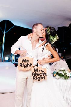 Carla and Mat had a intimate beach wedding in Mauritius. The beautiful moments were captured by the talented Vanilla Photography.