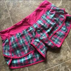 LULULEMON speed shorts size 10 Good used condition except some loose strands as shown. PRICE FIRM NO TRADES. lululemon athletica Shorts