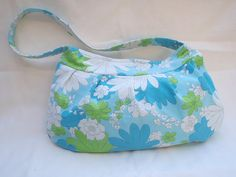 vintage sheet buttercup bag....the sad thing is my mom probably still has a sheet like this...