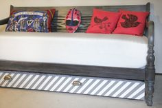Oh. THAT Annelie...: DIY Project: Trundle Guest Bed