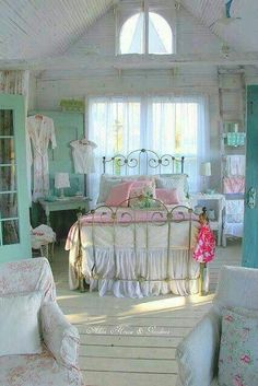 Shabby Chic furniture and style of decor displays more 'run down' or vintage items, or aged furniture. Shabby Chic is the perfect style balanced inbetween vintage and luxury, or '… Shabby Chic Bedroom Furniture, Shabby Chic Interiors, Pretty Bedroom, Shabby Chic Bedrooms, Shabby Chic Cottage, Shabby Chic Homes, Shabby Chic Decor, Bedroom Decor, Chic Bedding