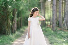 fotos de comunion niña - Google Bilaketa Holy Communion Dresses, Girls Dresses, Flower Girl Dresses, Holi, One Shoulder Wedding Dress, Vintage, Wedding Dresses, Google Search, Fashion