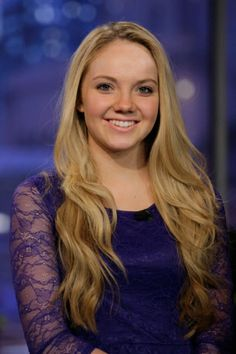 Danielle Bradbery The Voice season 4 winner. Only 17 yrs old. Amazing country singer!
