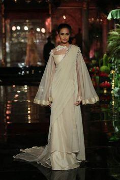 Manish Malhotraat India Couture Week 2016 - Look 14