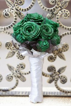 unique bouquets, wedding bouquet, green bouquets, style and bride, Flower Bouquet Wedding, Floral Wedding, Flax Flowers, Love And Marriage, Real Weddings, Green Bouquets, Bride, Kiwi, Creative
