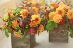 Florali_dahlias-with-pears
