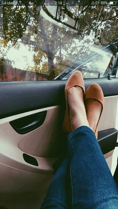 #tan #shoes #flats #minimalfashion