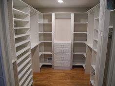 Best Small Master Closet Layout Walk In House Plans Ideas Walk In Closet Small, Walk In Closet Design, Small Closets, Closet Designs, Corner Shelf Design, Corner Shelves, Corner Unit, Corner Closet, Kid Closet
