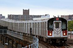 You'll Never Believe That These Places Are in New York City: An Abandoned Subway Station New York Subway, Nyc Subway, New York City, Metropolitan Transportation Authority, Edge City, Underground Tube, Places In New York, Smart City, Public Transport