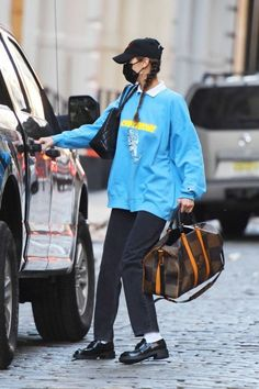 Style Bella Hadid, Bella Hadid Outfits, Trendy Outfits, Cool Outfits, Fashion Outfits, Look Star, Winter Fits, New York, Street Style Summer