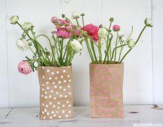 A Bubbly Life: DIY Paper Bag Flower Vase