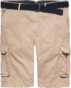 Die JOHN Cargo Short von Tommy Hilfiger ist ein echter Klassiker im Sommer. Die klassische Passform mit den großen Taschen ist zudem auch sehr praktisch.100% Baumwolle...
