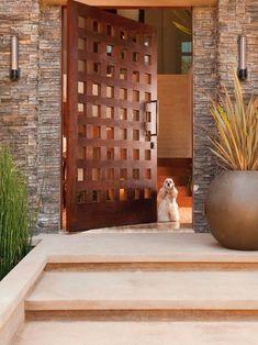 Puerta entrada cuadros