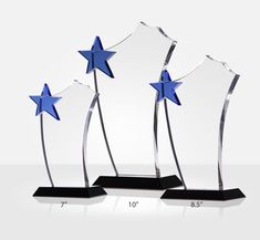 This elegantly crafted sail-shaped crystal award plaque crowned with shining blue star makes the ultimate employee recognition award plaque. Recognize your employees for exceptional achievements with a unique award plaque that will last a lifetime. Diy Father's Day Gifts, Father's Day Diy, Teacher Appreciation Gifts, Teacher Gifts, Employee Appreciation, Recognition Awards, Employee Recognition, Award Plaques, Crystal Awards