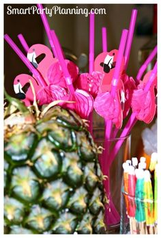 Luau Party Decorations #Luaupartydecorations #partydecoration