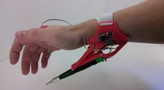3D Printed Robotic Third Hand http://3dprint.com/54010/robotic-third-hand-tool-holder/ …