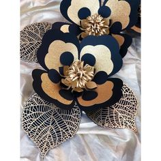 """64 Likes, 1 Comments - Crafts By Betty (@craftsbybetty) on Instagram: """"Happy New Year! . . . #blackandgold #glitter #papercraft #paperflowers #paperflowerbackdrop…"""""""