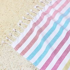 Image 5 of the product COTTON TOWEL WITH MULTICOLOURED LINES Bathroom Towels, Cotton Towels, Zara Home, Stripes, Rugs, United States, America, Workout, Towels