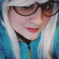 quick #ashe cosplay from #leagueoflegends with glasses!