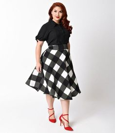 Va-va-voom its Vivien, dames! An exquisite 1950s reminiscent plus size swing skirt that rests high on the natural waist, the Vivien skirt is a chic stunner! Fabulously created by Unique Vintage in a gorgeous black and ivory checkered print, featuring fun