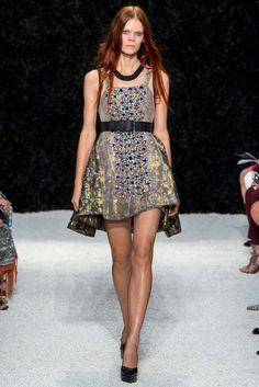 Vera Wang Spring 2015 Ready-to-Wear Fashion Show - Irina Kravchenko