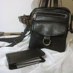 cathycouture sur Instagram: Une jupe en cuir qui devient une sacoche et un porte cartes,#jive#,et #compère#,#patronsacôtin#,#sacôtin#,