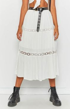 Chantilly Skirt White Music Festival Outfits, Festival Dress, Festival Fashion, Neon Outfits, Fashion Outfits, Mesh Clothing, Coachella Looks, Festival Tops, White Skirts