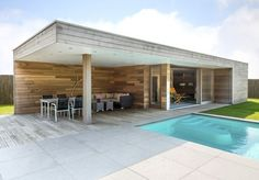 Pool House Shed, Modern Pool House, Modern Pools, Pool Houses, Swimming Pool Photos, Swimming Pool Designs, Outdoor Swimming Pool, Swimming Pools, Outdoor Rooms