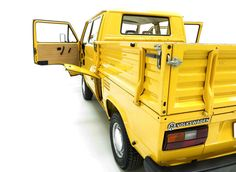 Vw Bus T3, Volkswagen Bus, Vw Syncro, Yellow Bamboo, T2 T3, Busses, Cars And Motorcycles, Trucks, Cool Stuff
