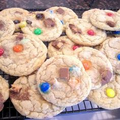 Here's a creative way to use up all of that excess #halloweencandy! Try this #cookie recipe! #halloween #candy #leftovers