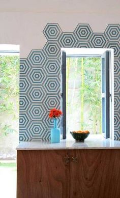Moroccan tiles - that certain something in your interior design - Home Decoration Hexagon Wall Tiles, Mosaic Wall, Mosaic Tiles, Appartement Design, Bath Tiles, Cement Crafts, Encaustic Tile, Ideas Geniales, Moroccan Tiles