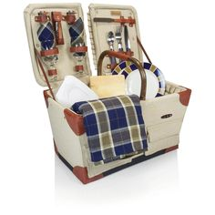 Pioneer Picnic Basket For those who like to picnic in more adventurous settings, the Pioneer picnic basket is just the right basket. Lightweight and durable, this basket is an original Picnic Time des