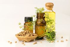 Coriander Essential Oil - Uses for Acne & Arthritis, Health Benefits, Side Effects Herbal Tinctures, Herbalism, Parts Of A Recipe, 100 Proof Vodka, Natural Colon Cleanse, Essential Oil Uses, Herbal Medicine, Health Remedies, Amazing Nature