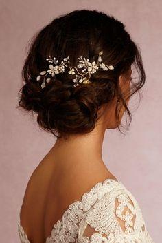 voir bijou de mariage bijoux pour mariage les cheveux Wedding Hairstyles For Long Hair, Winter Hairstyles, Afro Hairstyles, Bridal Hairstyles, Bridal Updo, Coque Vintage, Vintage Updo, Wedding Vintage, Vintage Makeup