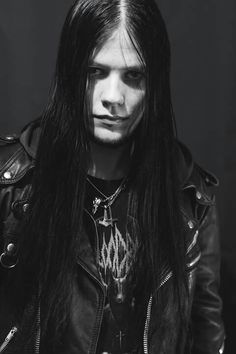 The eclectic, people and things of beauty and intrigue. A bit gay. Kind to quantums. Submissions welcome. Goth Beauty, Dark Beauty, Guys With Black Hair, Black Hair Aesthetic, Gothic Men, Goth Guys, Long Hair Models, Boys Long Hairstyles, Metalhead