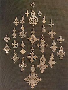 My dad bought my first Ethiopian cross from nomadic Somali herdsmen. Now it's a personal weakness! Cross Jewelry, Tribal Jewelry, Ancient Jewelry, Antique Jewelry, Ethiopian Jewelry, Ethiopian Beauty, Thinking Day, 3d Prints, African Jewelry