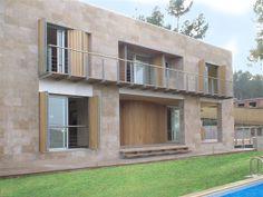 Ideas de #Exterior, Estudio, Salon, estilo #Moderno color  #Beige,  #Marron, diseñado por Josep  #CajonDeIdeas