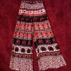 Bohemian Elephant Printed Pants Stretchy waist band. Cool pattern. Flowy fit. Not from urban outfitters but definitely that style Urban Outfitters Pants
