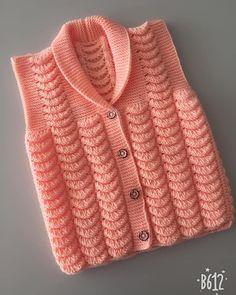 Şal yaka mandalina işi kız çocuk yelek - #Çocuk #İşi #Kız #mandalina #sal #yaka #Yelek Baby Knitting Patterns, Baby Cardigan Knitting Pattern Free, Crochet Baby Sweaters, Felt Crafts Patterns, Free Knitting, Crochet Motifs, Knit Crochet, Woolen Sweater Design, Col Mandarin